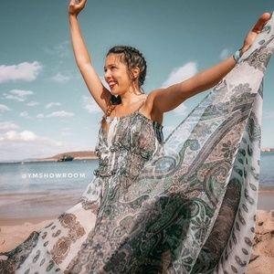 Zara Dresses - ZARA Paisley print maxi dress
